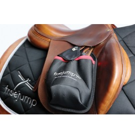 Freejump stirrup bags in black / red
